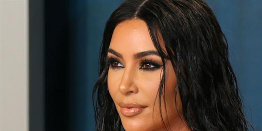 Kim Kardashian's Hairdresser Trolls Her For Falling Asleep - E! Online.jpg
