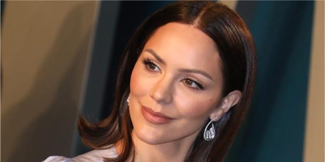 """Katharine McPhee Has """"Mommy & Me"""" Time With a Beer - E! Online.jpg"""