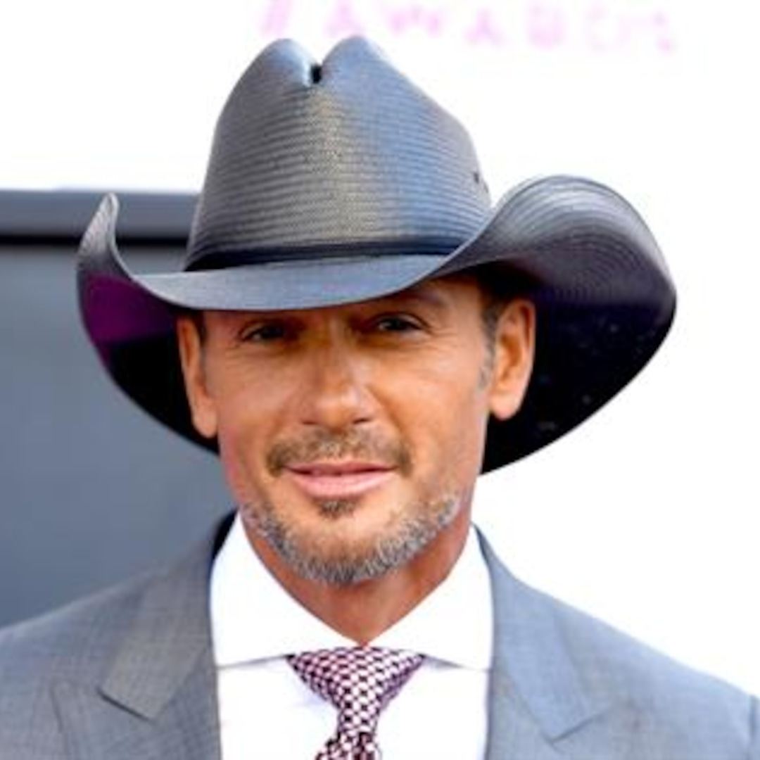Tim McGraw Jumps Offstage to Confront Fan During Concert