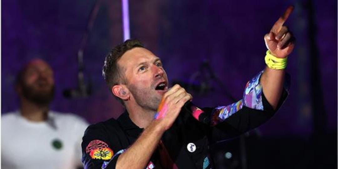 "Chris Martin Calls Dakota Johnson His ""Universe"" at Coldplay Concert - E! Online.jpg"