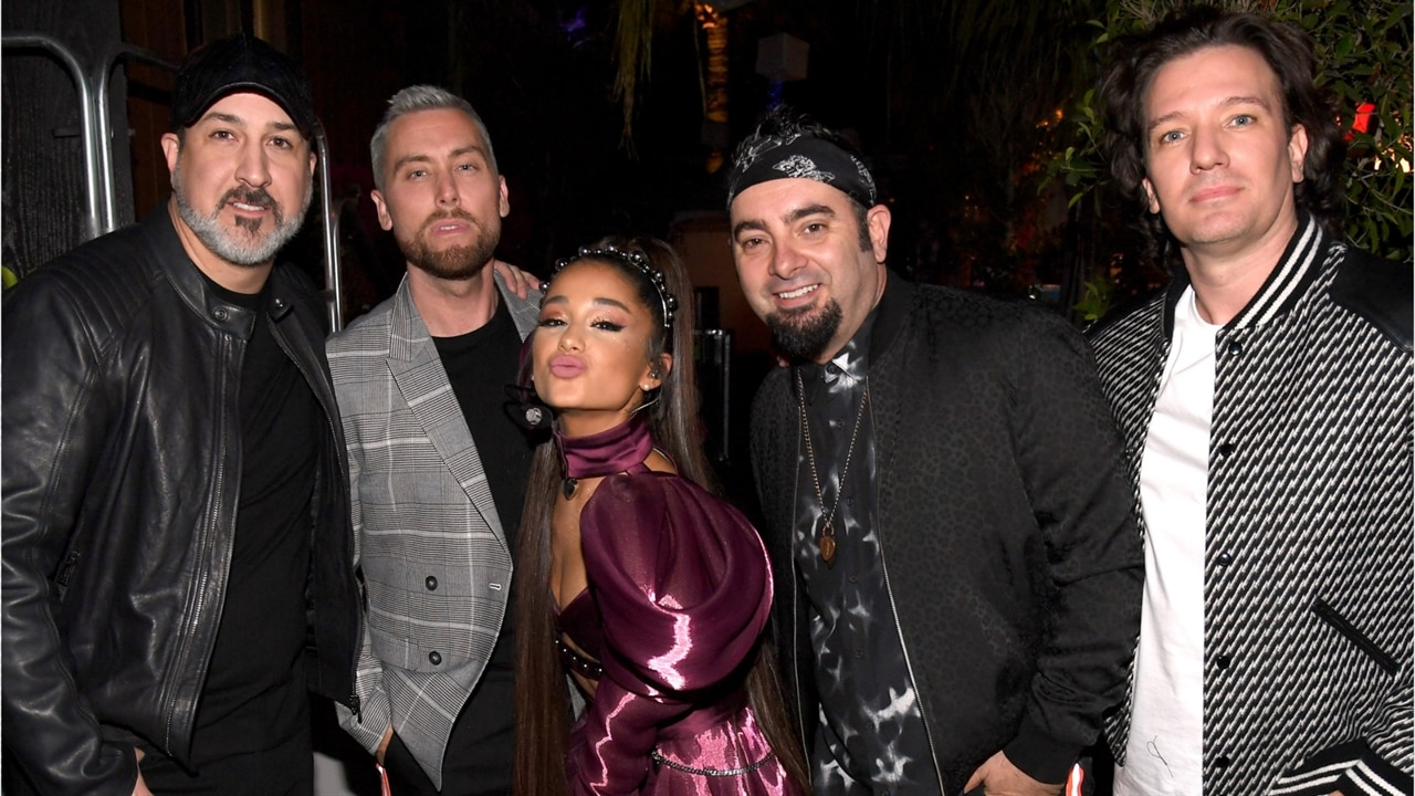 Here's How Ariana Grande Paid Tribute to Mac Miller at Coachella