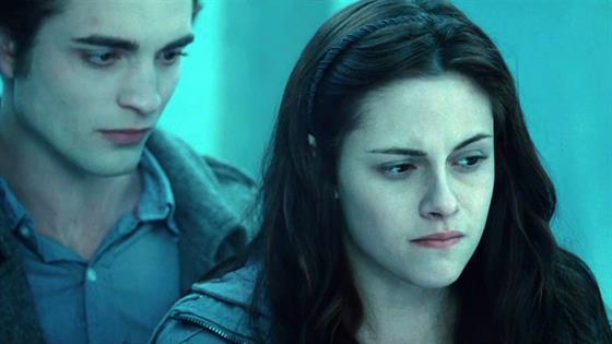 'Twilight' Author Stephenie Meyer Unveils August 4 Pub Date For 'Midnight Sun'