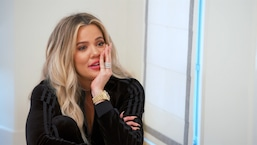 Khloé Kardashian apprend qu'elle est enceinte
