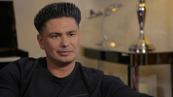Hollywood Medium Recap Tyler Henry Gives Pauly D Closure After His