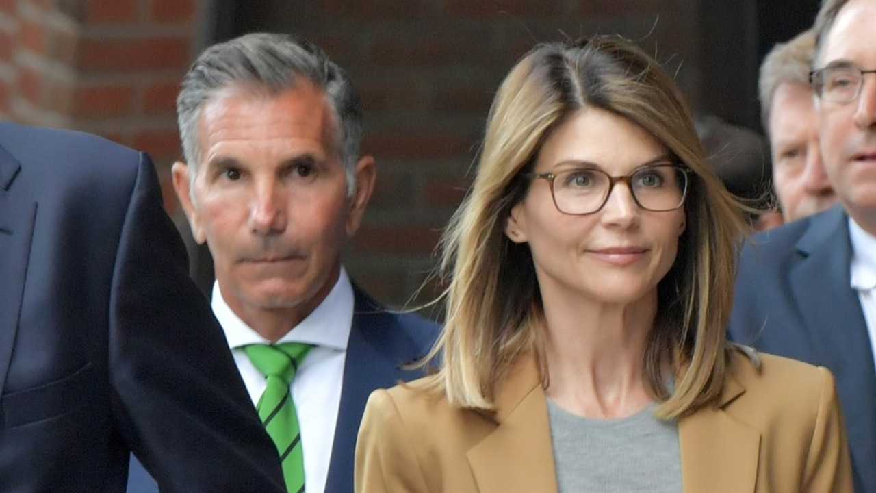 Lori Loughlin Charged ... Taylor Swift Tour 2019 Schedule