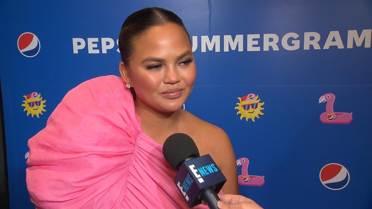 Chrissy Teigen Hilariously Proves Makeup Isn't Just For Your Face