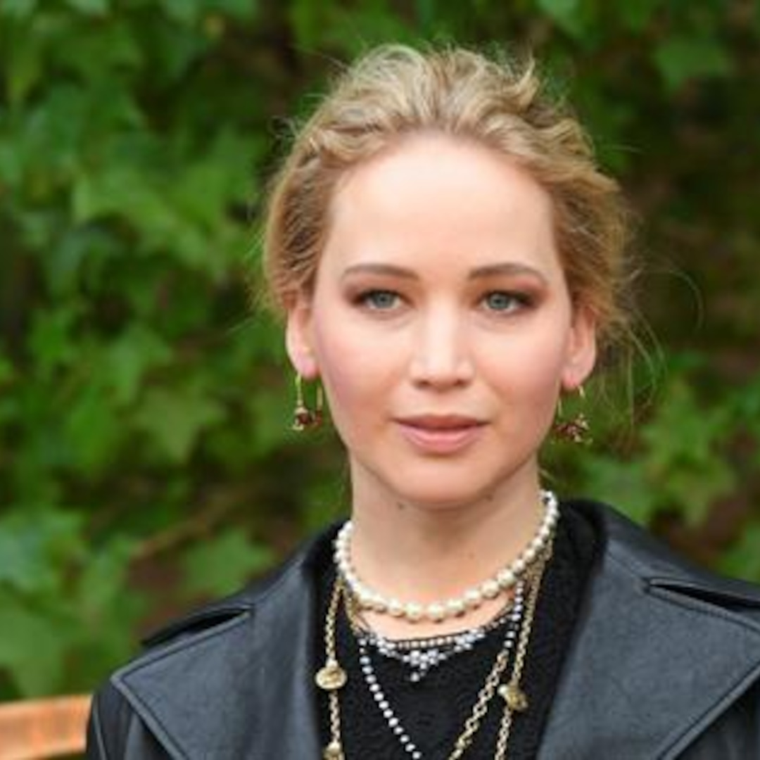 Jennifer Lawrence Joins Twitter for a Good Cause - E ...