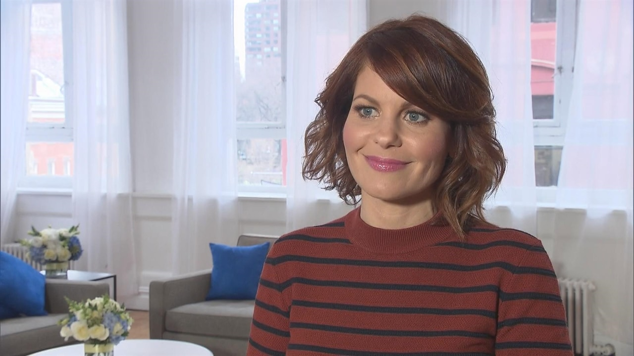 Candace Cameron Bure Channels Her Inner D.J. Tanner in ''Old School'' Jeans Straight Out of Full House