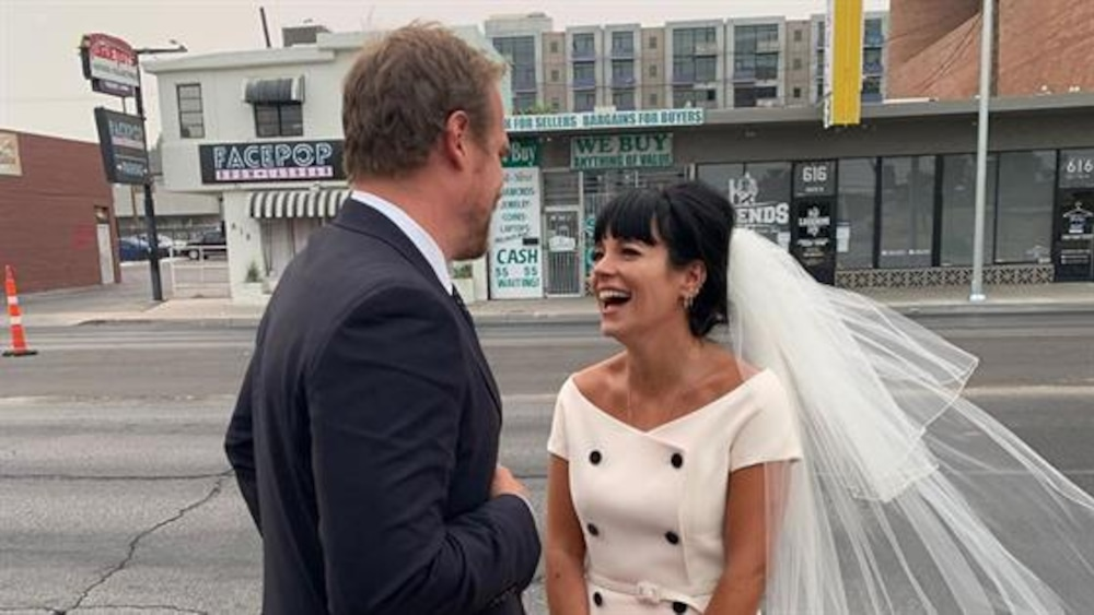 See Lily Allen S Dior Bridal Gown From Wedding To David Harbour E Online