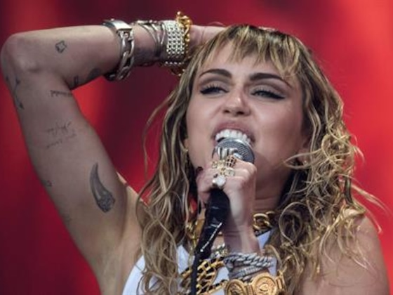 Miley Cyrus Is Having a Hot Girl Summer With a Twerk Party