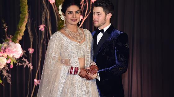 e5d0fd154 Priyanka Chopra y Nick Jonas asisten a su primer evento público como ...