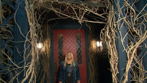 Tour The Chilling Adventures Of Sabrina House With Lucy Davis E Online