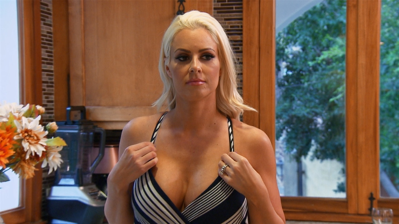 Watch Maryse Reveal Shes Pregnant To Hubby The Miz  E News-6537